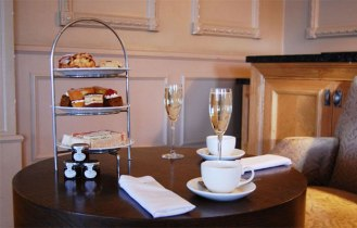 Doubletree-Dunblane-Gift-Vouchers-Afternoon-Tea-Prosecco