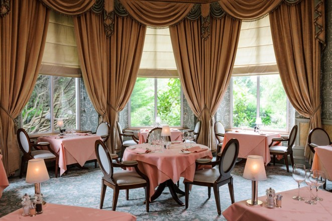 tre-ysgawen-hall-dining